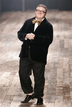 Alber Elbaz in giant bow tie