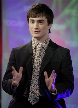 Daniel Radcliff in identical shirt and tie