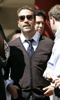 Jeremy Piven in cardigan sweater