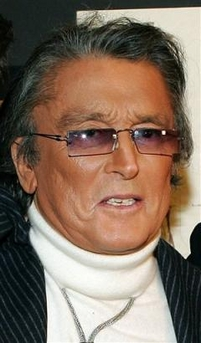 Robert Evans in turtleneck