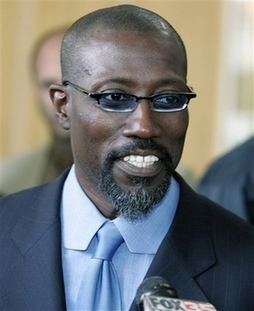 Wesley Snipes with angled collar